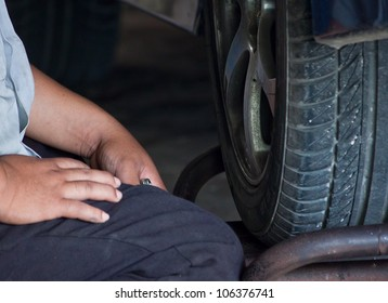 sit up front tire (next step to repair tire)