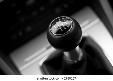 Six speed gear shifter in sports car