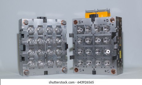 sixteen cavity plastic injection mold