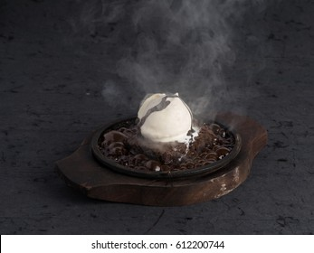 Sizzling Brownie With Vanilla Icecream
