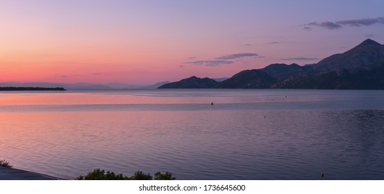 Skadarasee in Montenegro Sommersonnenaufgang Panorama