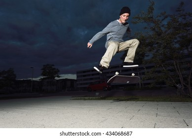 Skateboard Pro Flip Trick at Night