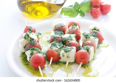 Skewer with tomato and mozzarella