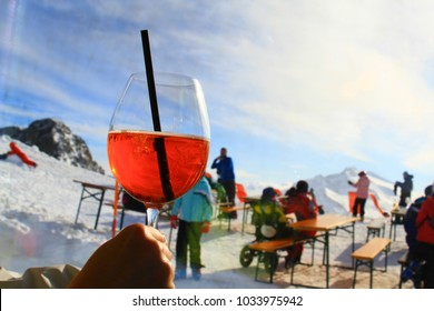 Aprés ski fun in winter mountains