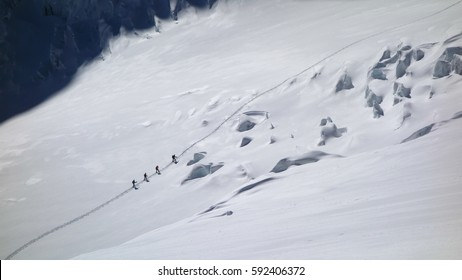 Ski Mountaineering Rope Team on Glacier - Find your way in leadership