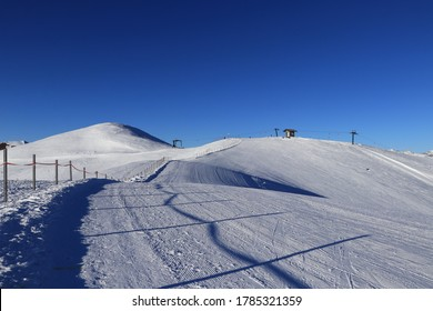 Ski resort of Obertilliach is located in the Lesachtal Valley, the southernmost part of East Tirol, and boasts not only snowsure slopes but also fabulous views of the Dolomites
