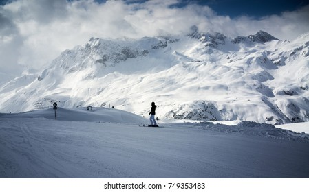 Skiers on slope. Lech, Austria