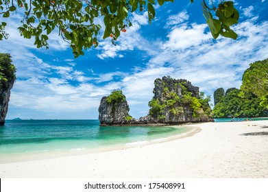 Skies, crystal clear waters, beautiful white sand beaches on the hong island in Krabi, Thailand (koh hong)