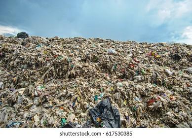 Skies on the mountain garbage