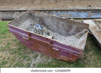 Skip Dump Container For Industrial Waste Collection