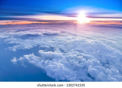 The sky atmosphere of the stratosphere