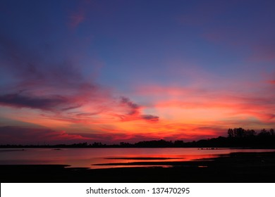 sky colour full on sun set time