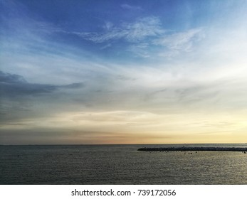 Sky and skyline and the sun Of the sea in Thailand