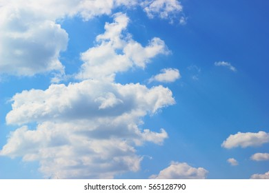 Sky with white clouds
