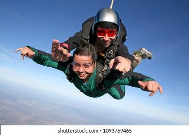 Skydive tandem point the finger