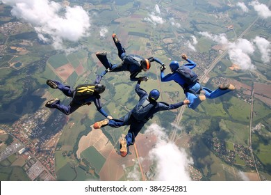 Skydiving team making figures
