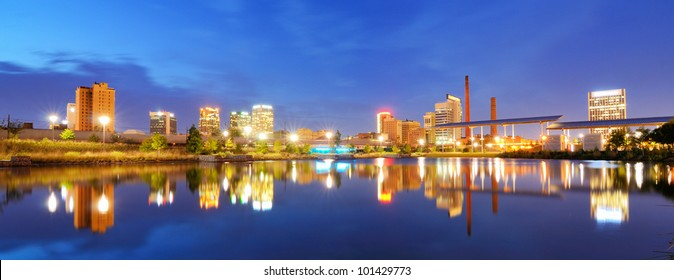Skyline of Birmingham, Alabama from Railroad Park.