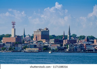 Skyline of the city of New London, Connecticut
