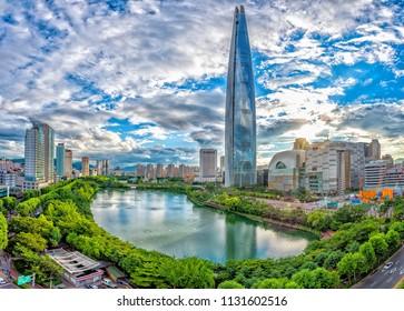 skyline city at seokchon lake seoul korea