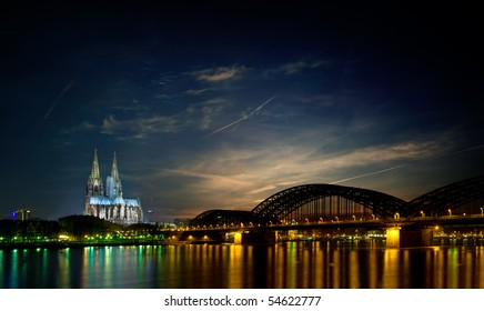 skyline of Cologne (germany) at night featuring the famous Cologne Cathedral