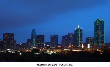 The skyline of Dallas, Texas at night