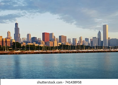 Skyline of downtown Chicago at sunrise