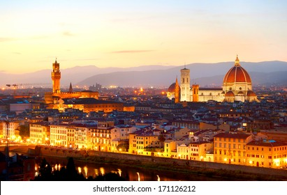 Skyline of Florence at colorful dusk, view from Piazzale Michelangelo