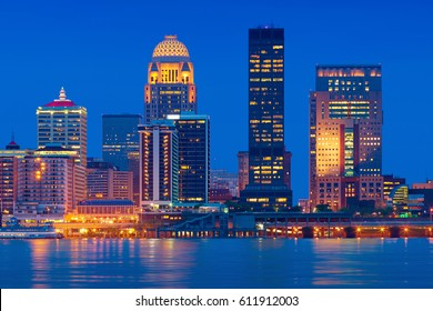 Skyline of Louisville, Kentucky, USA with the Ohio River in the foreground.
