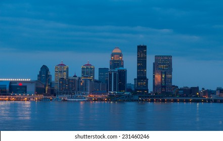 Skyline of Louisville, Kentucky, USA at twilight.