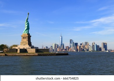 skyline of Manhattan with the Statue of Liberty in New York City