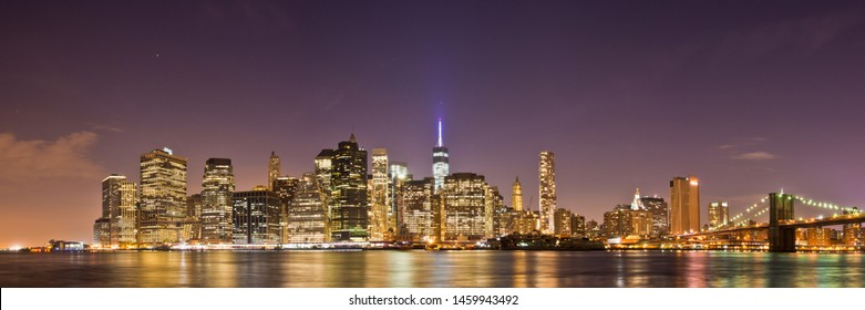 Skyline of Manhatten shot from Brooklyn after Sundown