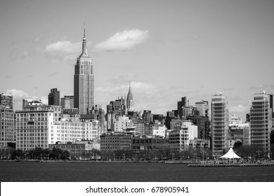 Skyline of Midtown Manhattan with Empire State Building - MANHATTAN / NEW YORK - APRIL 2, 2017
