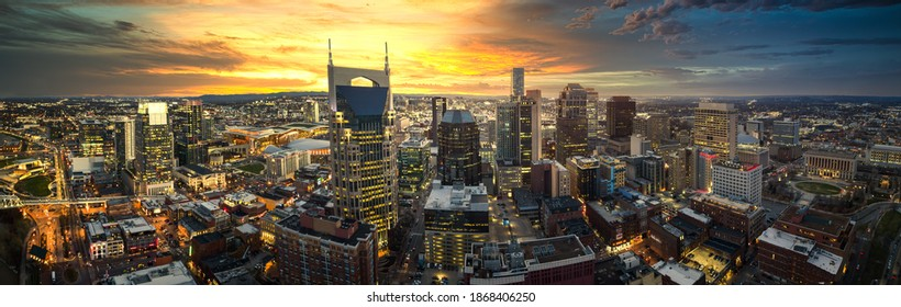 Skyline of nashville with sunset