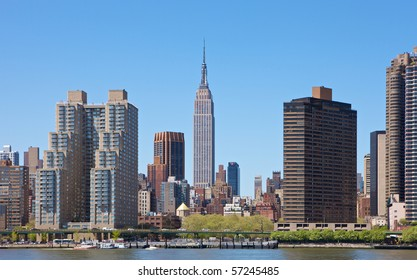 Skyline of New York City, NY, USA with Empire State Building