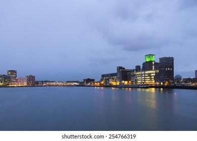 skyline rotterdam night