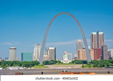 Skyline of St. Louis with arch
