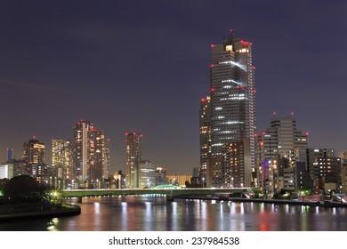 Skyscraper in Tokyo at dusk