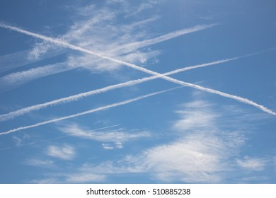 Skywriting from traces of aircraft engines