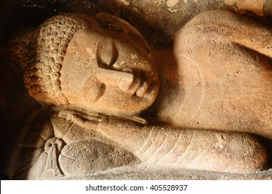 sleeping buddha in Ajanta
