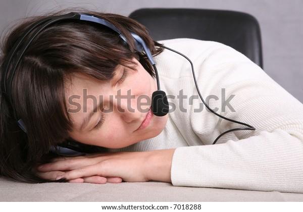 sleepingg call service agent