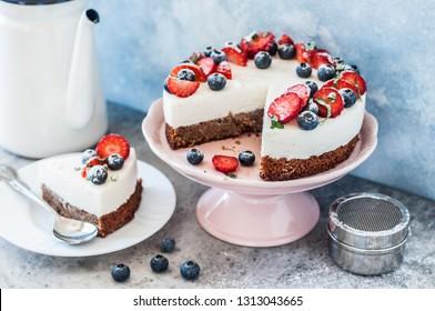 Sliced No Bake Ricotta and Gluten-Free Base Cheesecake with Fresh Berries