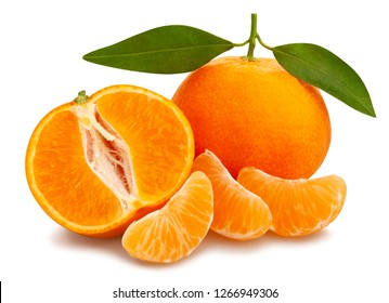 sliced tangerine path isolated leaves