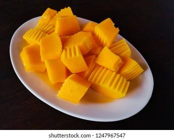 slices of melon papaya