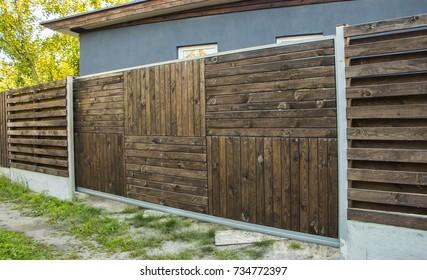 Sliding door wooden and wheel