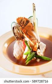 slipper lobster seafood tomyam soup