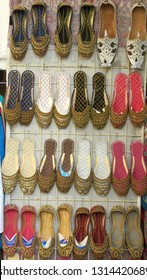 Slippers - babouches - in the souk of Old Dubai (UAD)