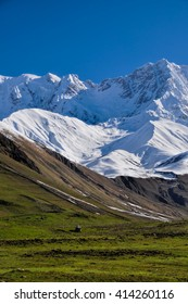 Slopes of the moutain between Mestia and Ushguli, contrasting colours