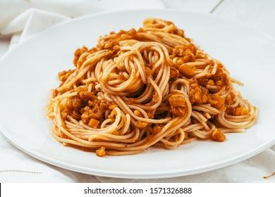 Slow Cooked Lentil Spaghetti Bolognese