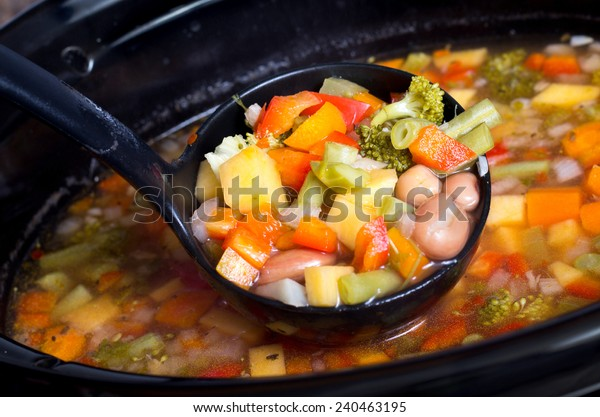 slow cooker vegetable and beans soup