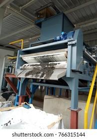 sludge thickener to the belt press
